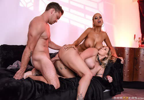Blonde Doll Plys With 2 Giant Man meat And Jizz Shots HD